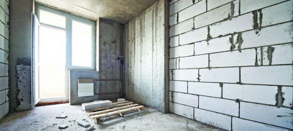 Какую квартиру купить: с отделкой или без неё?